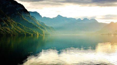 lake-2816802__480.jpg