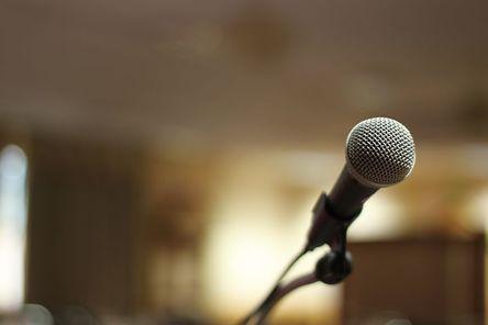 microphone-1222302__480.jpg