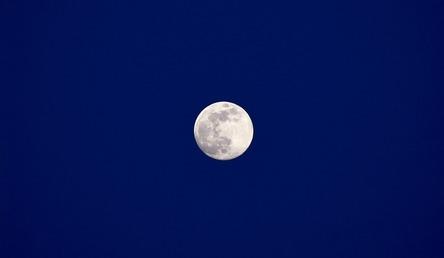 moon-2394544_960_720.jpg