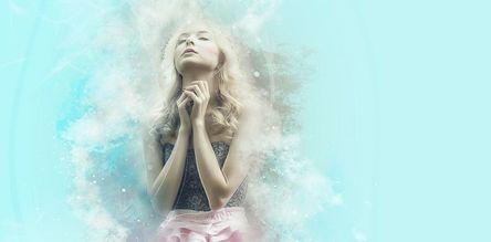 pray-1639946__480.jpg