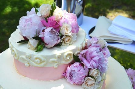 wedding-cake-639181__480.jpg