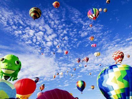 balloon-fiesta-1746495__480.jpg