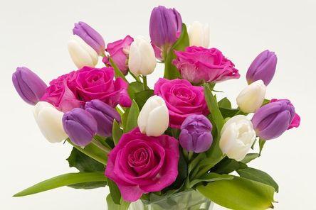 bouquet-3158348__480.jpg