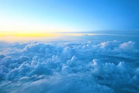 clouds-3837043__480~2.jpg