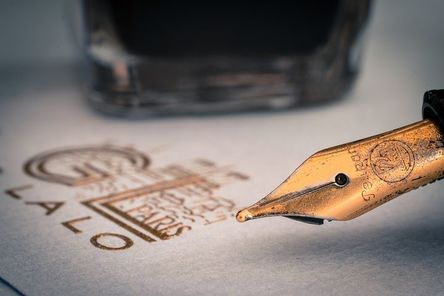fountain-pens-1393979__480.jpg