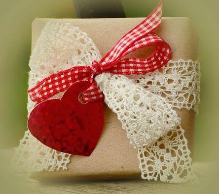 gift-1196258__480.jpg