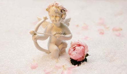 love-angel-1889683__480.jpg