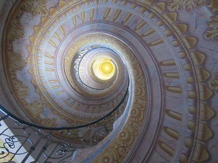 staircase-201010__480.jpg