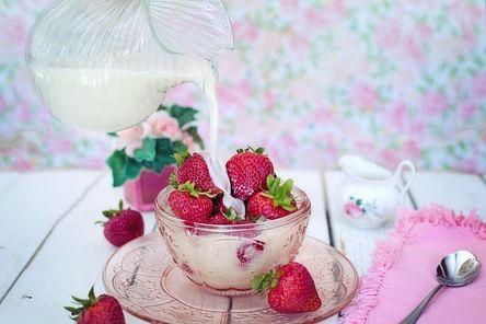 strawberries-2550024__480.jpg