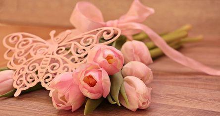 tulips-2068659__480.jpg